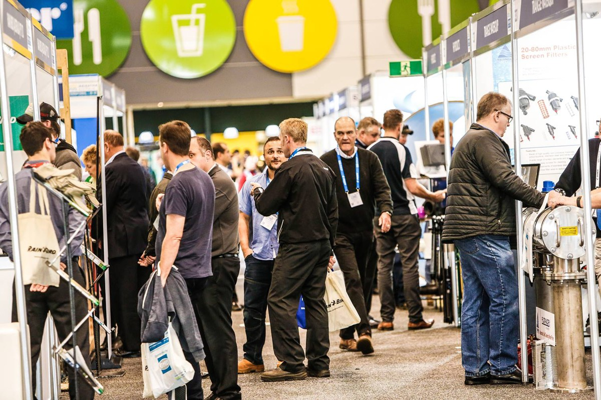 5 smart ways to increase foot traffic to your trade show exhibit